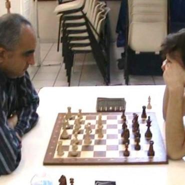 Le vainqueur (à gauche) et le 3em du tournoi