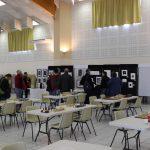 La salle et l'expo artistique